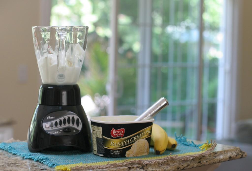 how to make a banana milkshake with ice cream