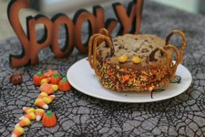 Spooky Spider Ice Cream Sandwich sm