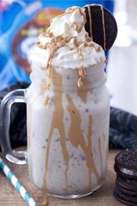 Peanut-Butter-Cup-Oreo-Milkshake-Recipe-2